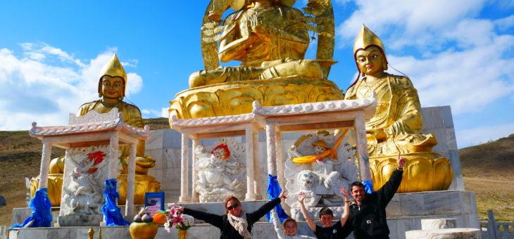 La Mongolie : aussi belle que dans nos rêves, des paysages aux rencontres et à l'aboutissement  de notre projet humanitaire. Du 28 mai au 10 juin